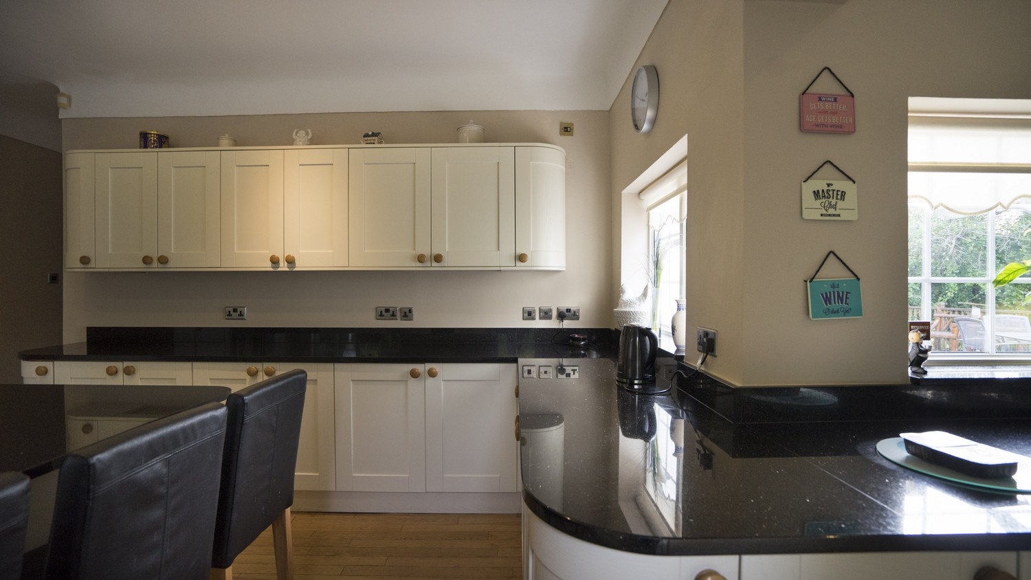The corners of the worktops have been rounded to create a smooth flow throughout the kitchen and improve the space in these often awkward areas.